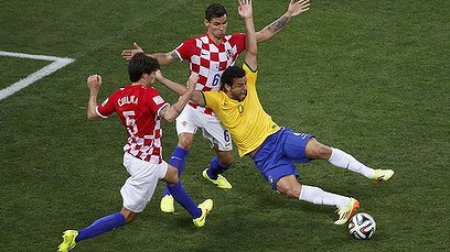 0613world_cup_fred_729-408x264